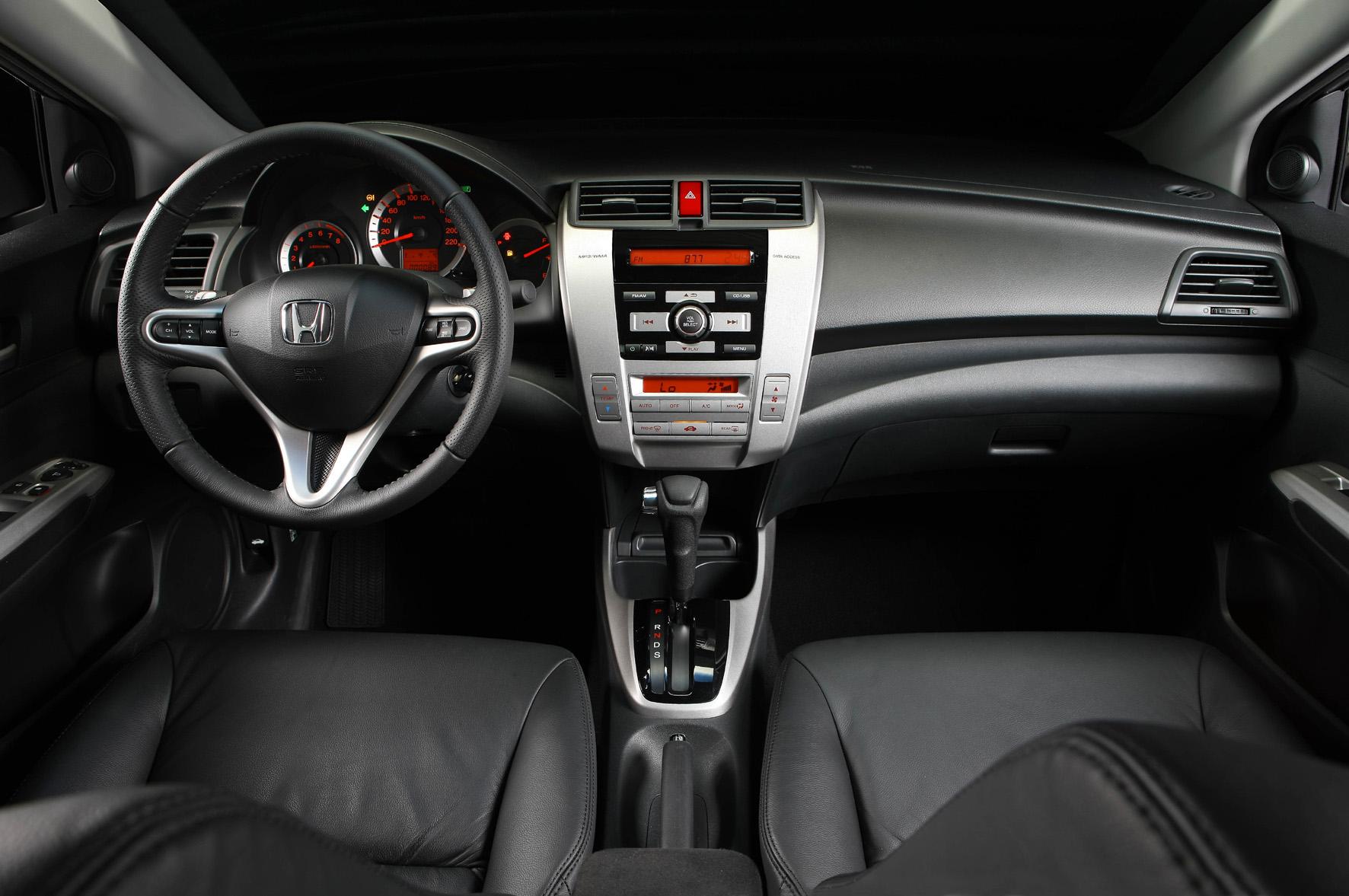 Honda apresenta o sedã City.