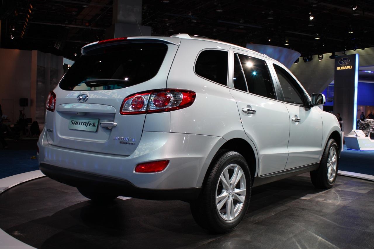 Good Hyundai Santa Fe 2011 02
