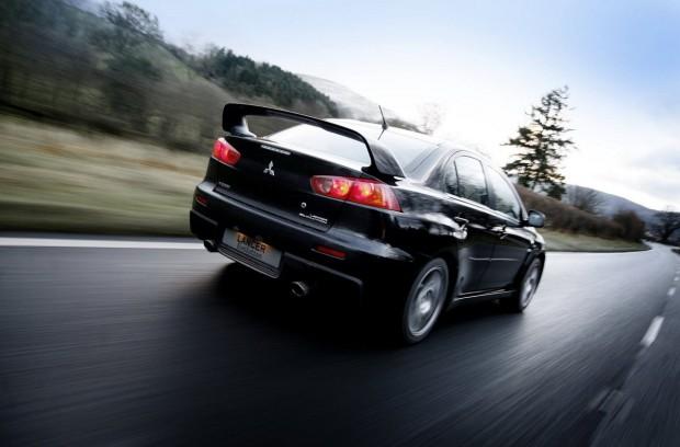 Mitsubishi Lancer Evolution X 02