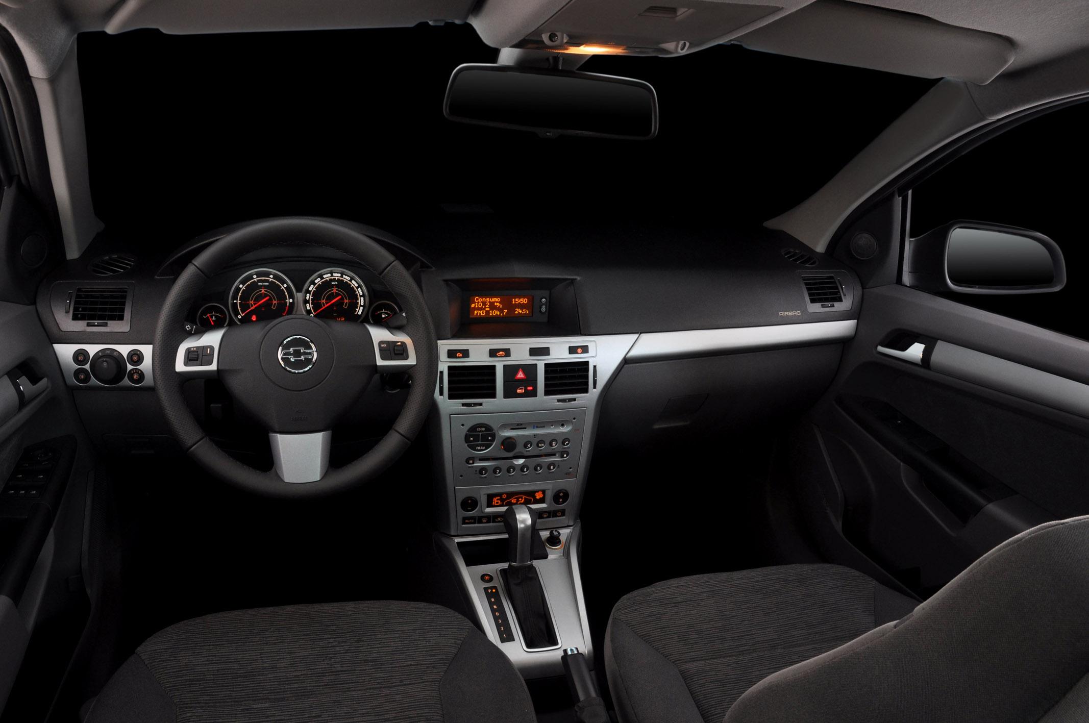 Chevrolet vectra 2011 ganha novos itens de s rie all the for Interno 95