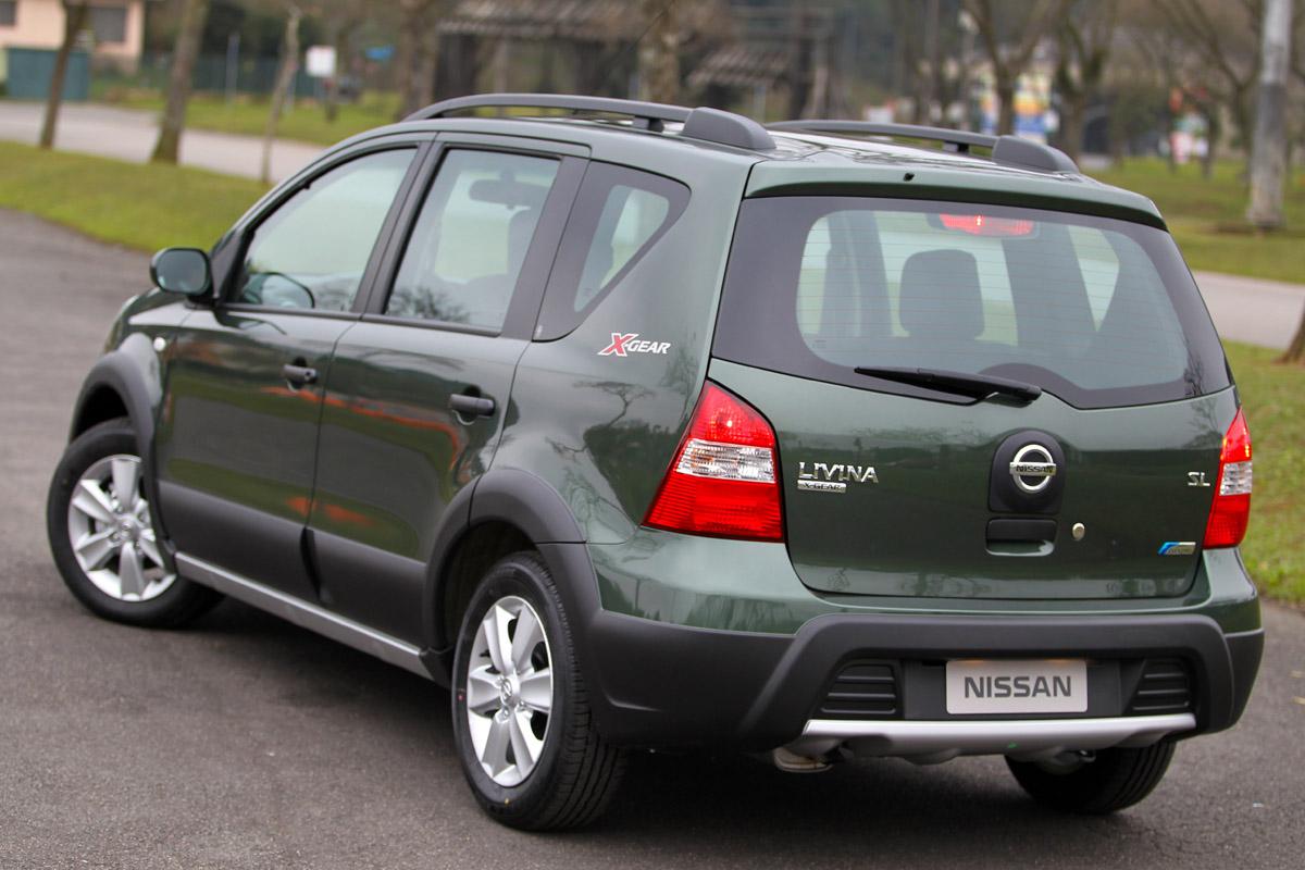 Nissan Livina chega à linha 2011 com mais itens de série e ...