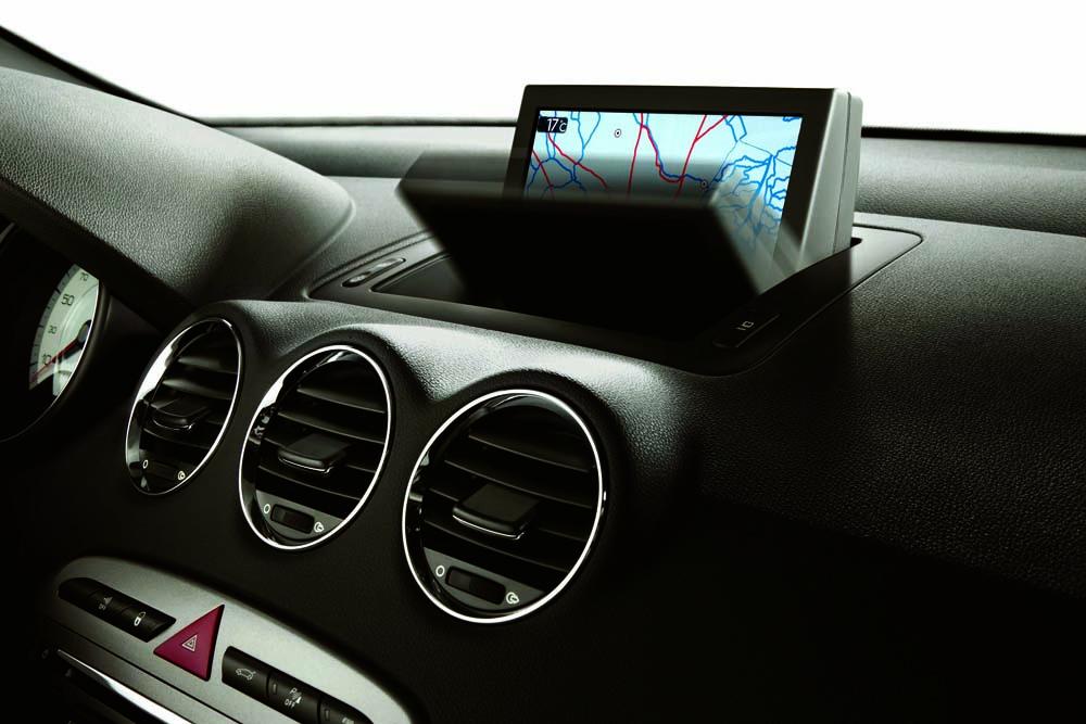 Porta treco no meio e em cima do painel (ideia) Peugeot-408-2011-brasil-20