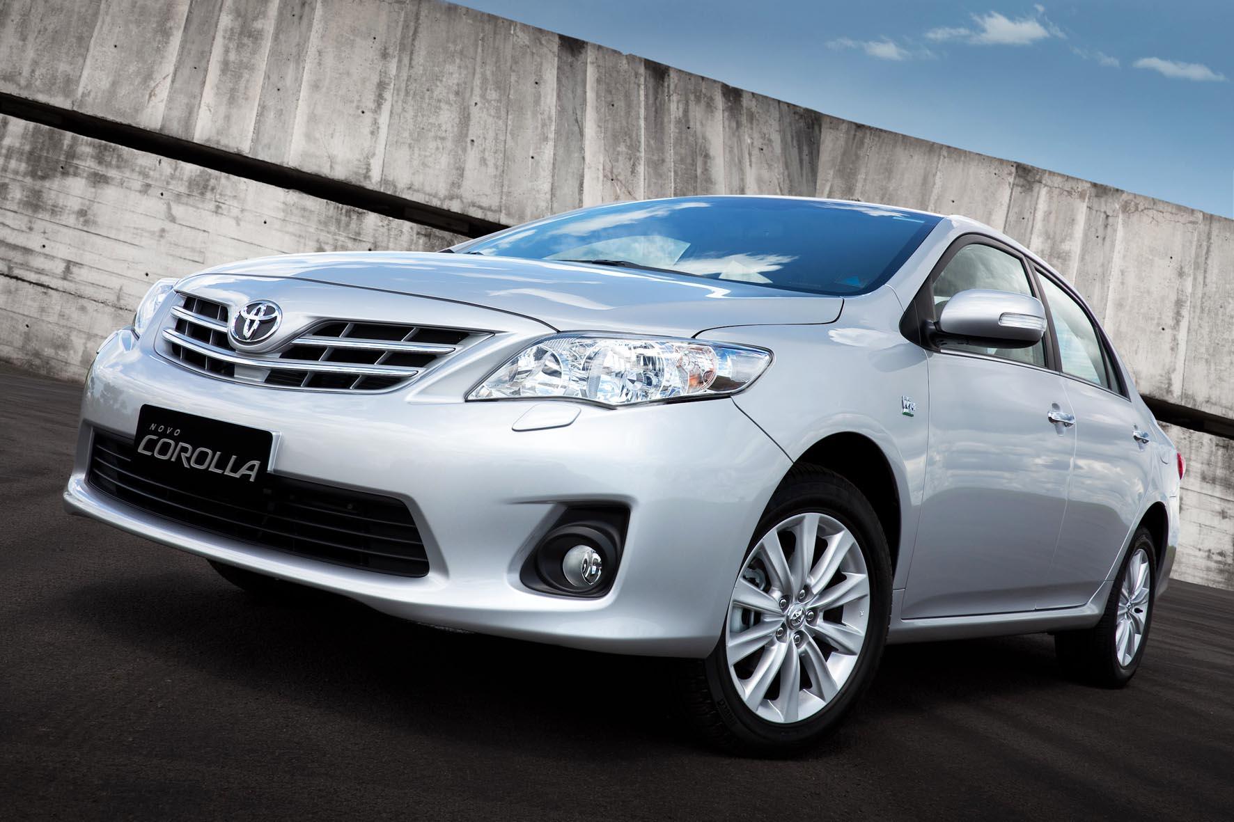 Corolla 2012 tem detalhes revelados; preços partem de R$ 63.570