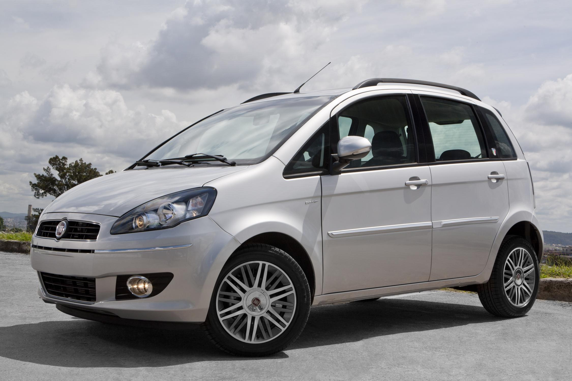Fiat idea 2012 ganha s rie especial it lia all the cars for Fiat idea sporting 2011