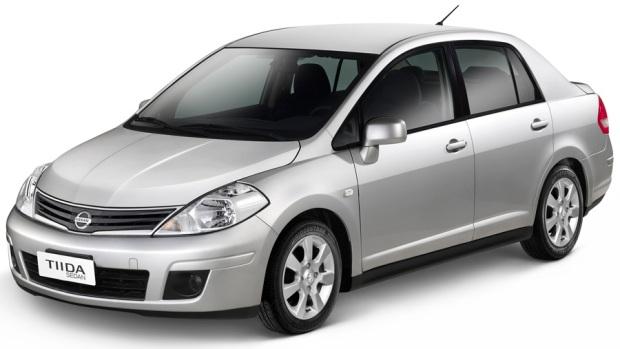 Nissan Tiida Sedan 2013
