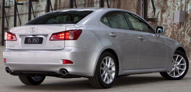 Lexus IS 02