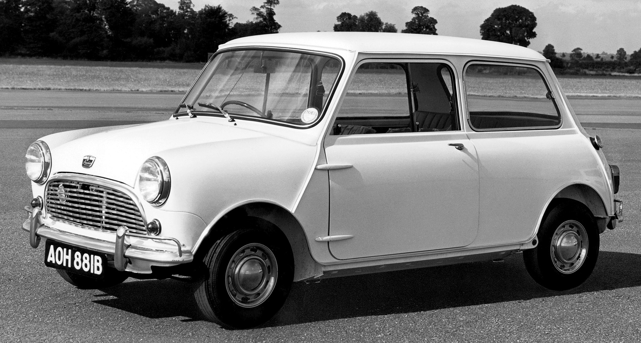 austin mini eleito carro ingl s mais importante da hist ria all the cars. Black Bedroom Furniture Sets. Home Design Ideas
