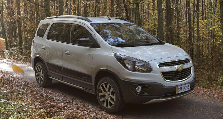 Chevrolet spin activ chega para enfrentar fiat idea for Precio de fiat idea adventure 2015