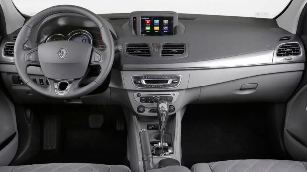 Renault Fluence 2015 03