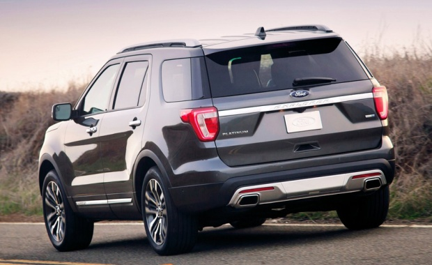Ford Explorer EUA 2015 02