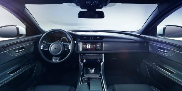 Jaguar XF 2016 - 04