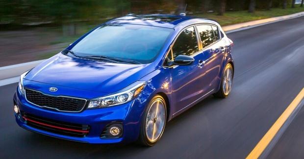 Kia Cerato Hatch Forte5 EUA 2017 01