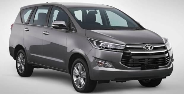 Toyota Innova 2016 01