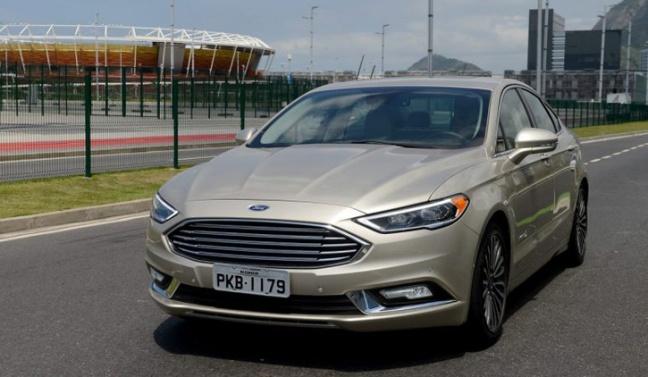 ford-fusion-hybrid-2017-brasil-01